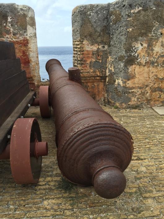 Rusty canon at Fort Beekenburg, Caracasbaai